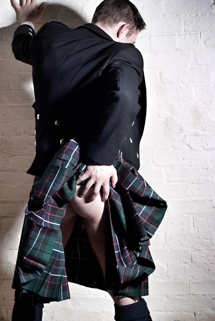Poor lad, his kilt won't stay up! who can help him?
