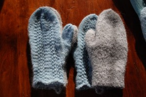 """Bree's mittens for her Lord John Grey's"""