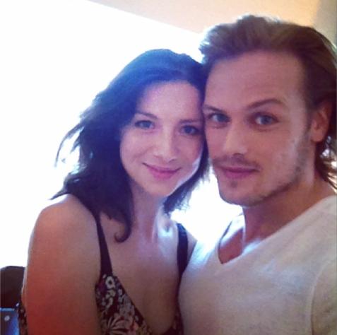 Caitriona Balfe & Sam Heughan (http://instagram.com/p/q4UJIuNqQc/?modal=true)